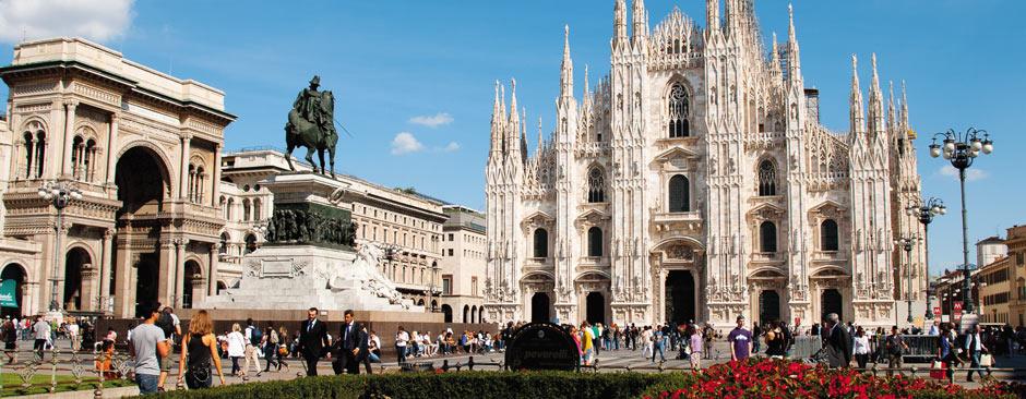 Foto di piazza duomo a Milano